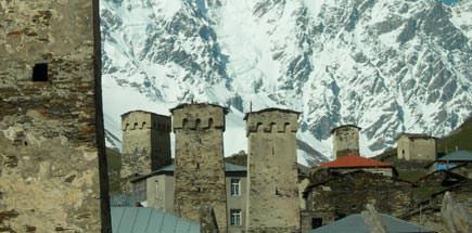 טיול מאורגן לגאורגיה - בתי האבן באושגולי