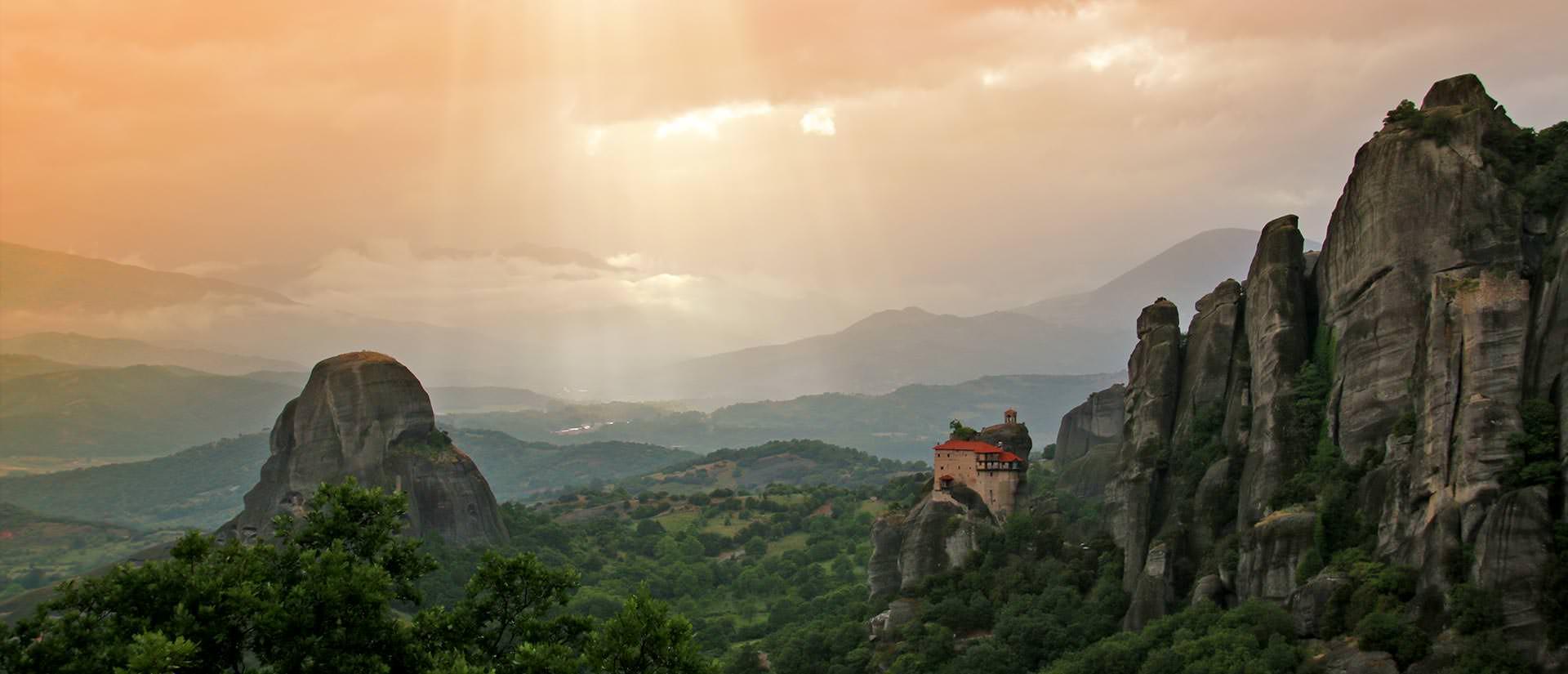 טיול ליוון - 10 ימים - מסלוניקי לאתונה דרך חבלי הארץ איפירוס ואבריטניה, היפים ביוון