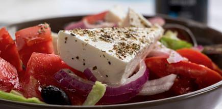 כל מה שצריך לדעת על אוכל יווני