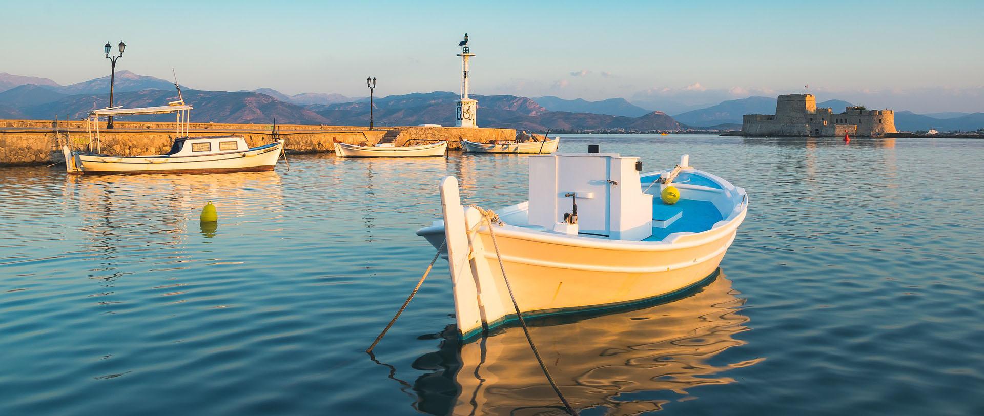 טיול ליוון - 10 ימים - אל חצי האי הפלופונסי: מסע אל הנופים והאתרים בהם פרחה יוון העתיקה