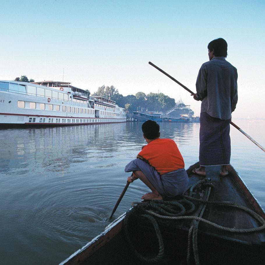 טיול מאורגן לבורמה - שייט במורד נהר אירוואדי