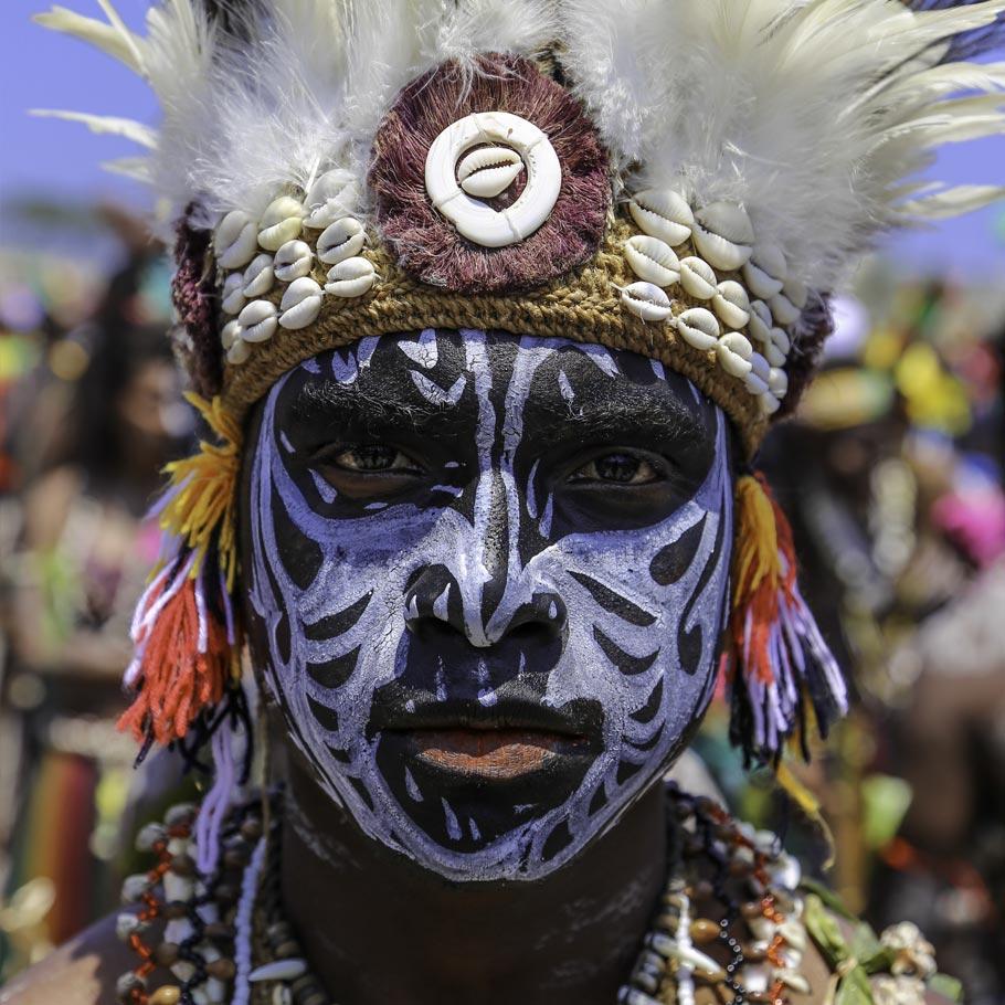טיול לפפואה ניו גיני - 14 יום - מסע אנתרופולוגי בארץ 800 השבטים