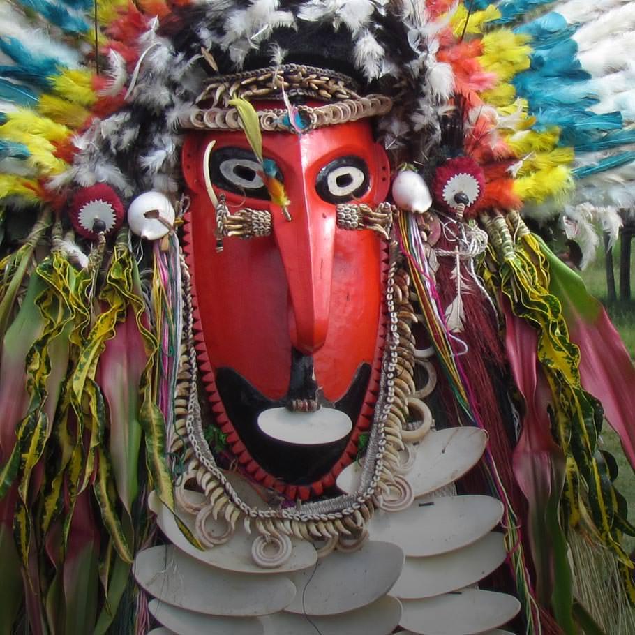 טיול לפפואה ניו גיני - 21 יום - שייט גיאוגרפי צבעוני ומפנק אל אחת המדינות המרתקות בעולם