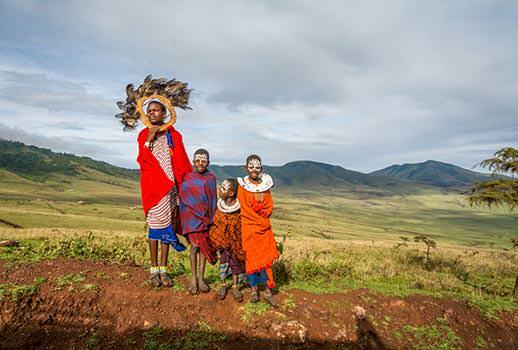 מפגש עם שבטים בטיול לטנזניה | צילום: אסף עמרן