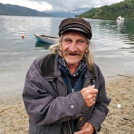 טיול ליוון מסדרת 'רגעים' - 4 ימים - רגעים של שמחה בחצי האי אביה